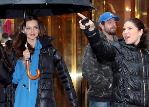 Kerr+braves+rain+fashion+eos8YOQVxl3l.jpg