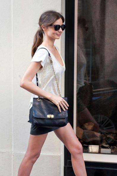Kerr+shops+Chanel+SD_uNqsOImjl.jpg