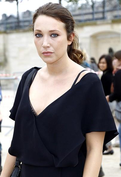 Laura+Smet+Paris+Fashion+Week+Spring+Summer+60ctMs0H8rol.jpg