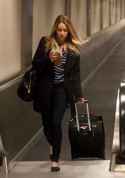 Lauren+s+caffeinated+arrival+QJR4MVfBvuYl.jpg