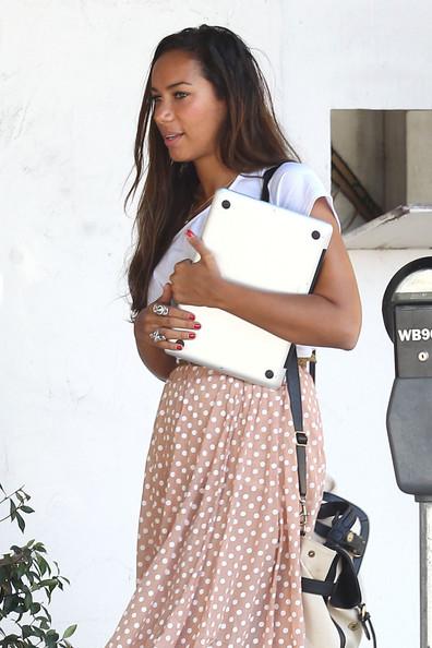 Leona+Lewis+wears+vintage+inspired+outfit+XoNnbug2fG7l.jpg