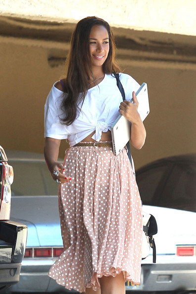 Leona+Lewis+wears+vintage+inspired+outfit+qOUAco-r8Yel.jpg