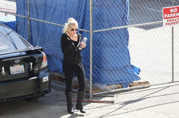 Lindsay+Lohan+Lindsay+Lohan+LA+Coroner+Office+MoNwo1SSPSHl.jpg