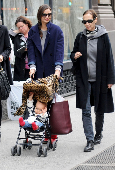 Miranda+Flynn+go+stroll+pz3bZaEgVE9l.jpg