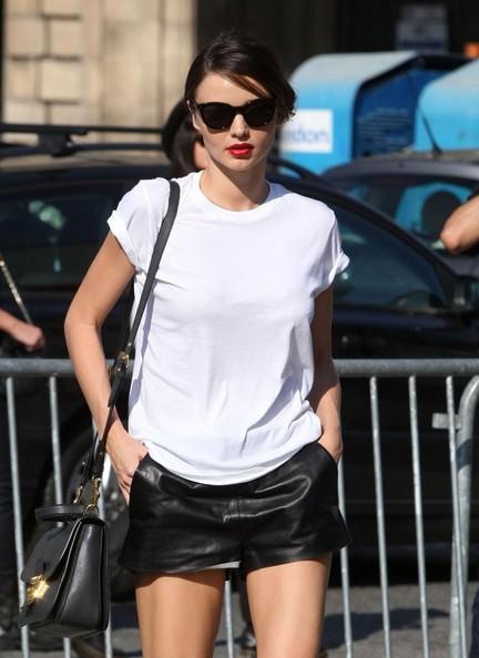 Miranda+Kerr+Miranda+Kerr+Strolls+Around+Paris+ioJlxE2HW4Cl.jpg