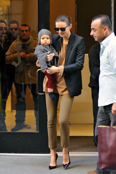 Miranda+Kerr+spotted+out+bundled+up+baby+Flynn+5JhhWZkVnUUl.jpg
