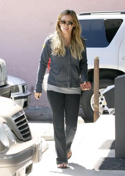 Pregnant+Hilary+Duff+Heading+Piloxing+Class+dwDJ3-8Na1jl.jpg