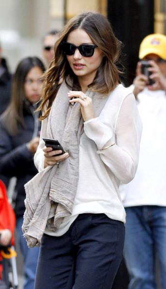 Supermodel+Miranda+Kerr+straightens+out+hair+6kOl6C-Bzmgl.jpg