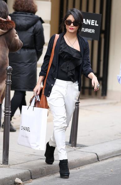 Vanessa+Hudgens+Shops+Chanel+qDnkitdl9QUl.jpg