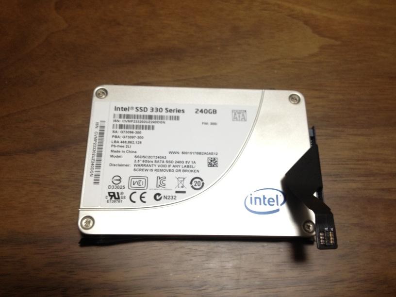 SSDに付属品を装着