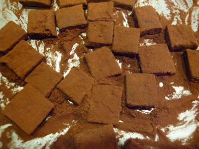 生チョコ ココアパウダーにまぶす