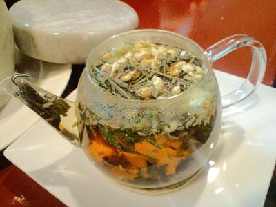 ラベンダーと金木犀とミントのお茶。。。ラベ解熱