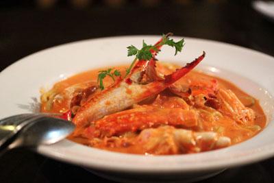 ナポリキターラ渡り蟹のトマトクリーム