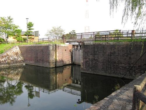 長良川川上り 船頭平閘門2