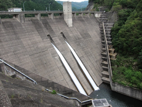 長良川川上り 阿多岐ダム