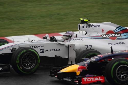 2014F1日本GP決勝 リカルド対ボッタス