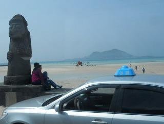 トルハルバンと砂浜