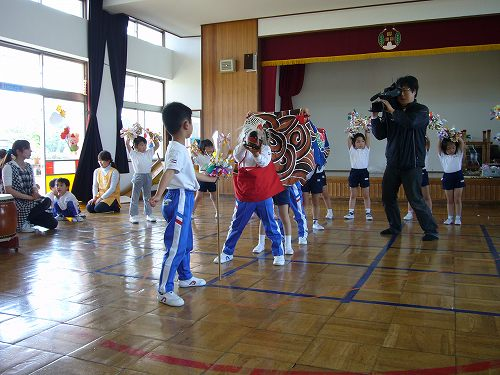 H220506和田保育園獅子舞練習①