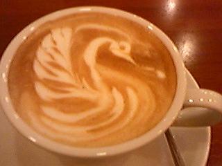 カフェラテ・白鳥