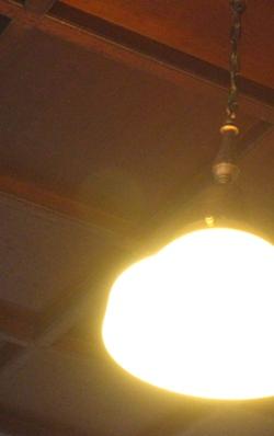 洋館の灯り