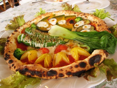 激うま野菜ピザ