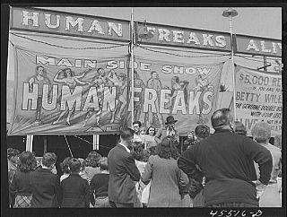 Freak_show_1941_320.jpg