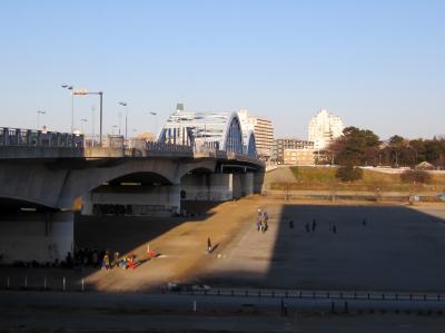 わぁーい。いつもの川崎側の風景