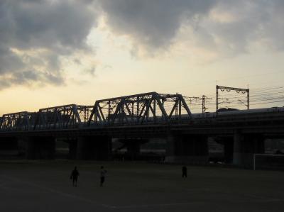 新幹線の鉄橋まで戻ったぞ