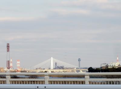 もしかして…あれは横浜マリンタワー