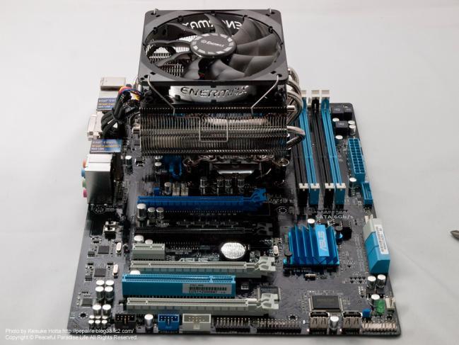 CPUにCPUクーラーを取り付け