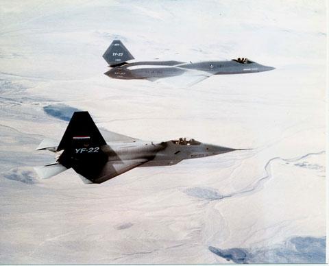 YF-22_and_YF-23_20130417161056.jpg