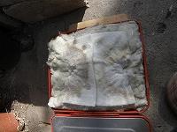 中央の穴の空いた綿も再利用