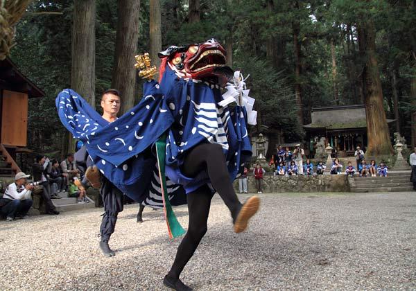 龍穴神社 獅子舞1