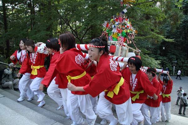 大神神社 太鼓台1