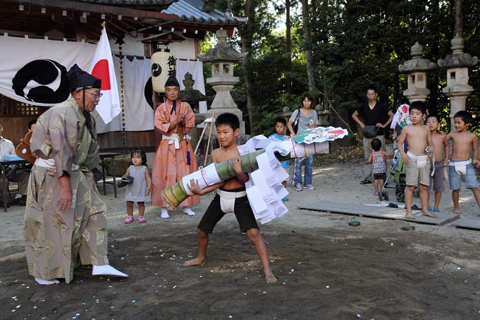 三柱神社 子ども相撲2