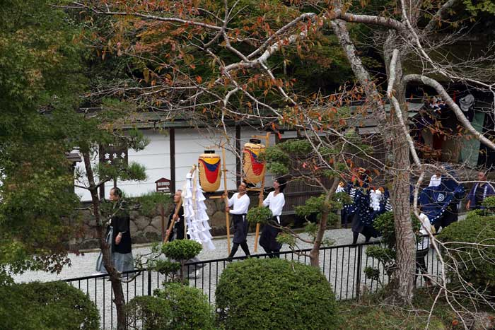 龍穴神社 お渡りと獅子舞3
