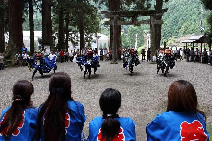 龍穴神社 お渡りと獅子舞4