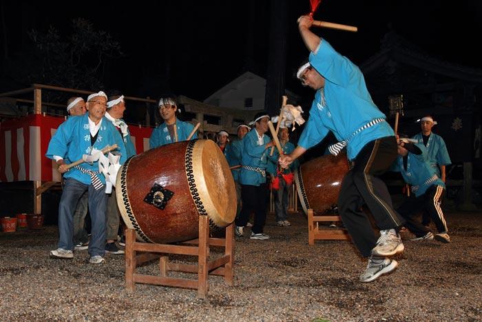 海神社 いさめ踊り2