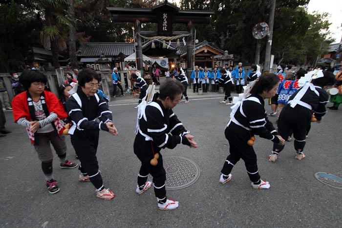 飽波神社 なもで踊り1