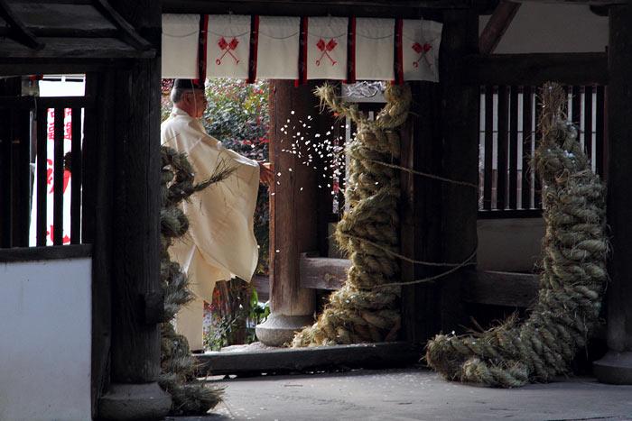 矢田坐久志玉比古神社 綱掛2
