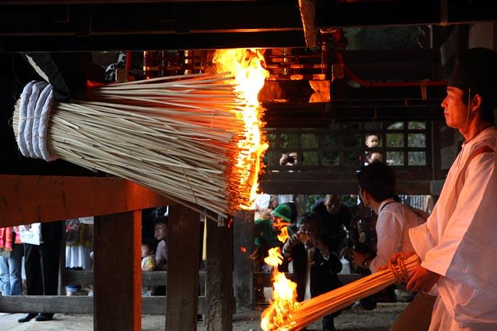 往馬大社 火祭り 本祭5