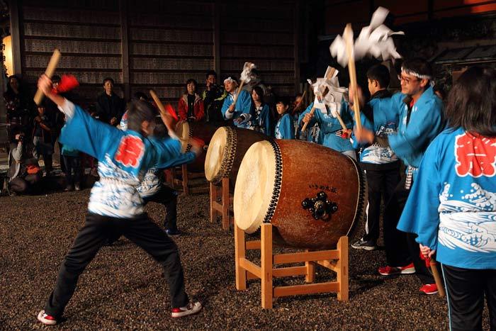 海神社 いさめ踊り1