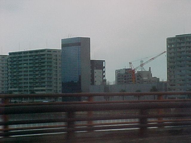 川沿いの工事