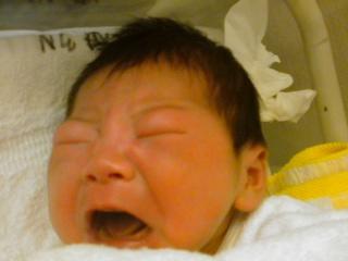 BABY泣き顔