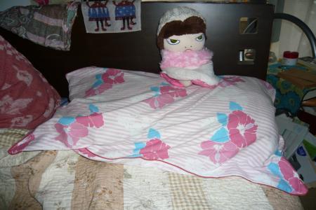 縮)ちびこーばあやのベッドへ