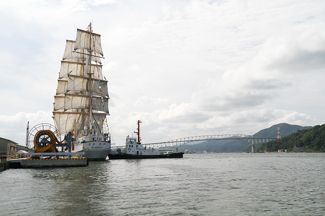 「ナデジュダ号」寄港 境港