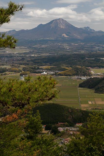 母塚山~大山と桜