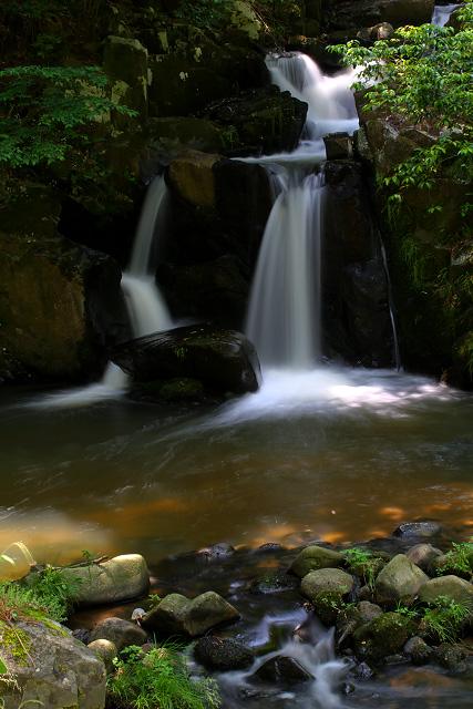 仁多郡奥出雲町三沢 「トウトウの滝」