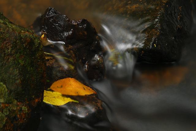 島根県出雲市湖陵町畑村中畑「なならの滝」