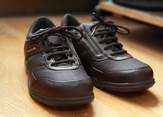 1004靴